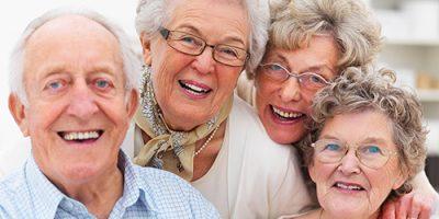Ai có thể trồng răng implant